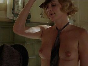 Debra messing naked pictures